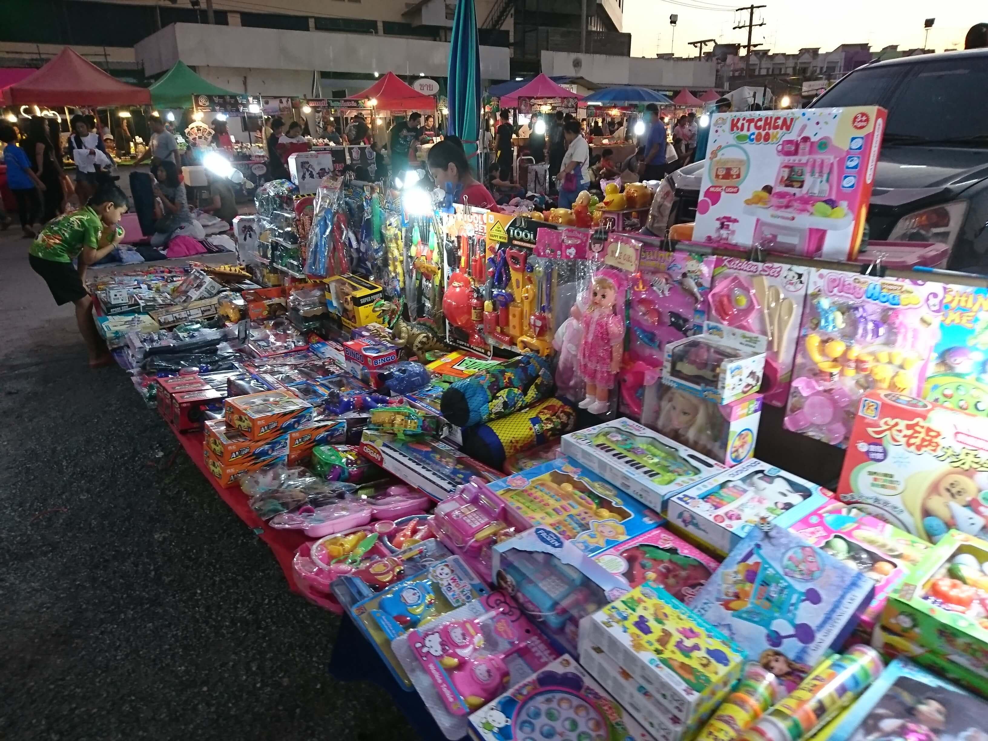 アユタヤ最大級のウィークエンドマーケット!「Klong Thom Market Night Plaza Grande」