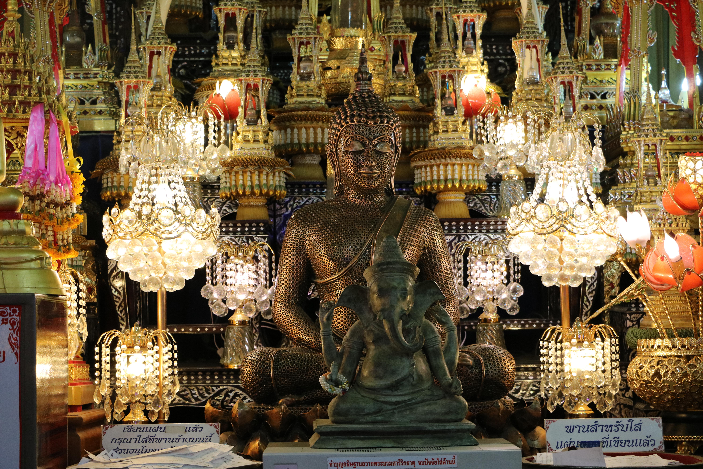 ワットターッガァロン(Wat Tha Ka Rong)/ まるで迷路のように仏像が配された、アユタヤでは珍しいタイプの現存仏教寺院