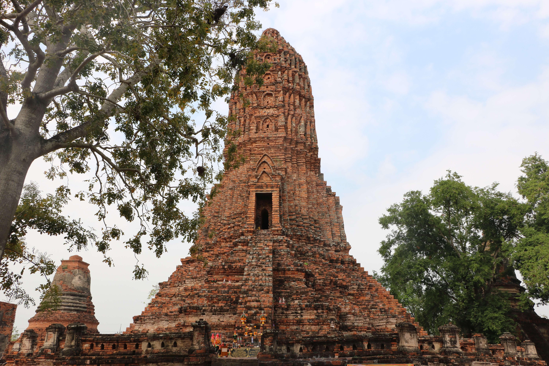 ワット ウォラチェート(Wat Worachet) / 古式ムエタイを創始した「黒の王」を祀る遺跡