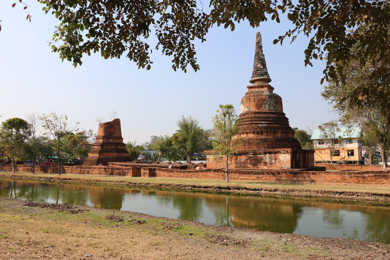 ワットハッサダーワ / アユタヤ王朝がビルマと和平交渉を行った地域にある仏教寺院遺跡