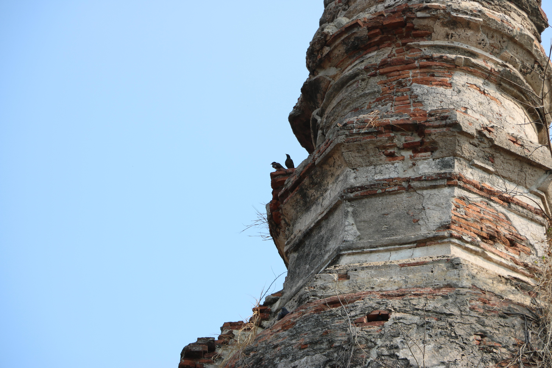 ワットジョンコム / 二重構造のチェーディー(仏塔)を持つ、アユタヤ王朝初期の仏教寺院遺跡