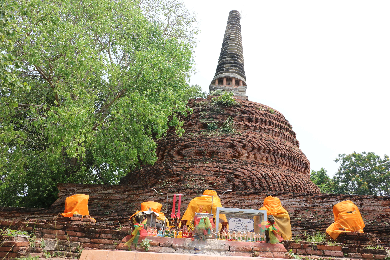 ワットクンセーン(Wat Khun Saen)/ 拡張途中で破棄された、非常に珍しいチェーディー(仏塔)がある仏教寺院遺跡