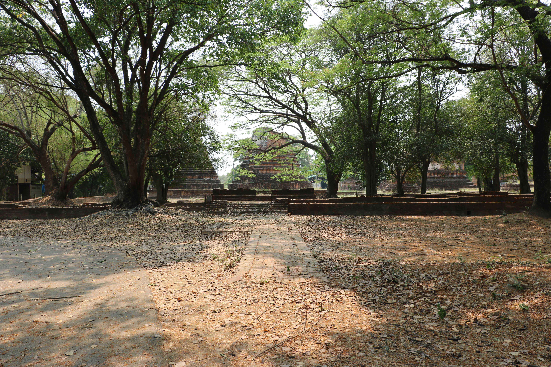 ワットケー(Wat Khae)/ 建築様式の異なる3基のチェーディー(仏塔)と広大な敷地に多くの建築物が残る仏教寺院遺跡