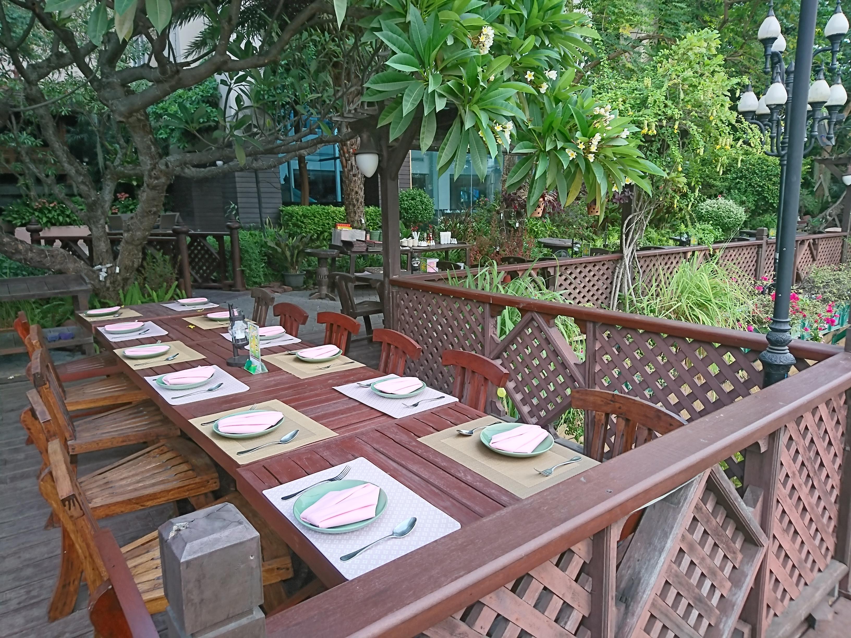 スアンリムナム(SUAN RIM NAM)/ 老舗クルンシーリバーホテルの中にあり、お洒落で隠れ家的なタイ料理レストラン
