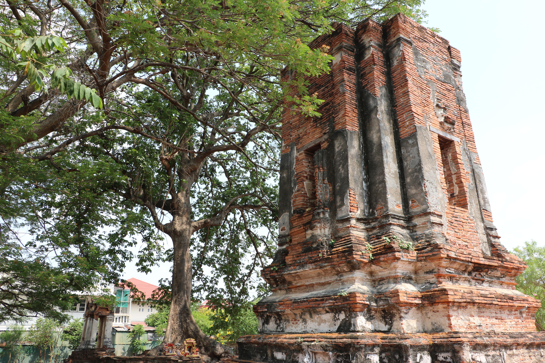ワットコークムアン(Wat Khok Muang)/ 住宅地の中にひっそりと佇む、アユタヤ王朝後期に建立された仏教寺院遺跡