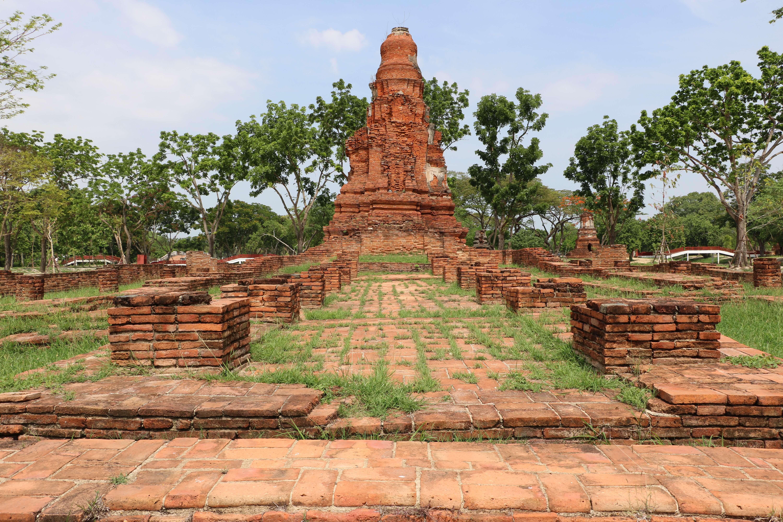 ワットポム(Wat Phong)/ アユタヤでは、ここにしかない珍しいメインチェーディー(仏塔)を有する仏教寺院遺跡