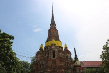 ワットヤーンセーン(วัดญาณเสน , Wat Yannasen)/ 巨大で凝った作りのメインチェーディー(仏塔)が目印の現存仏教寺院