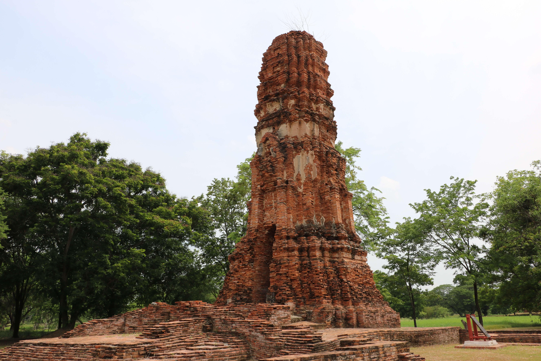 ワットジャオプラム(Wat Jao Prahm,วัดเจ้าพราหมณ์)/ 許可がない限り、敷地内に入ることもできないアユタヤ王朝初期の貴重な遺跡