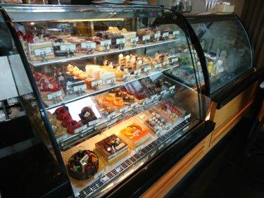 カフェカンタリー(Cafe Kantary)/ 世界遺産の街、アユタヤの4つ星ホテルで、お洒落に美味しいスイーツをどうぞ!